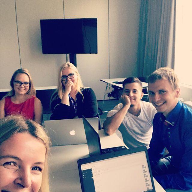 Jobs-Feelingstream-team